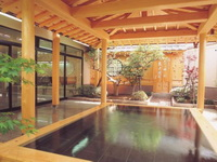 屋外屋根付き浴場
