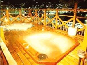 熱海温泉みのや屋上ジャグジーでピンクコンパニオンと混浴